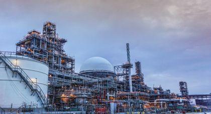 تعلن صدارة للكيميائيات بدء تشغيل أول وحدة (PMDI) في المنطقة